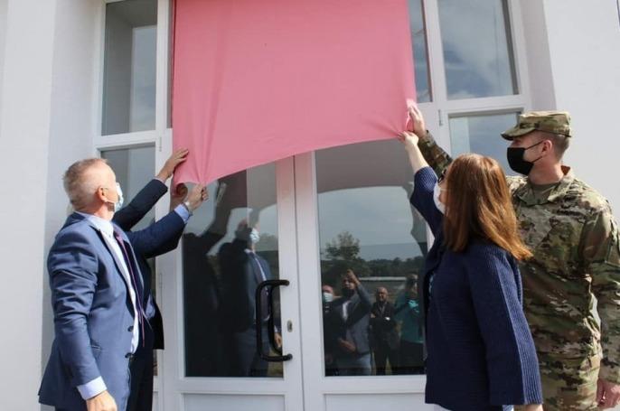 """Përurohet rikonstruksioni i Shkollës së Mesme """"Luigj Kurakuqi"""" në Klinë"""