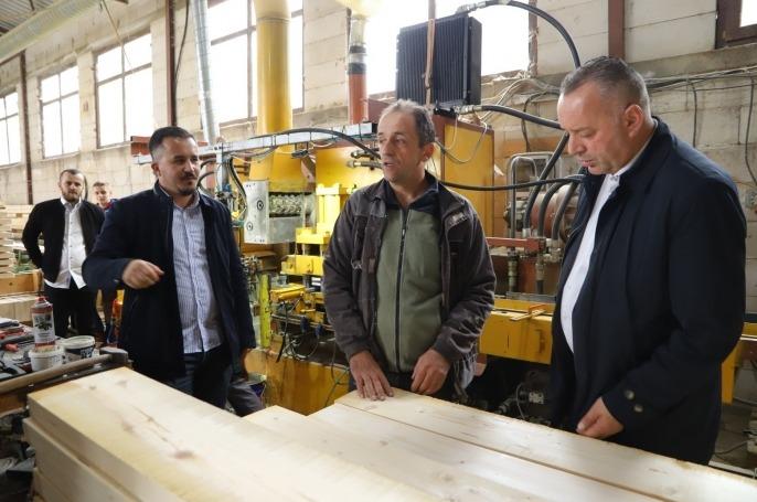 Ramosaj viziton kompaninë shumëvjeçare: Ndër më të suksesshmet në tregun vendor dhe ndërkombëtar
