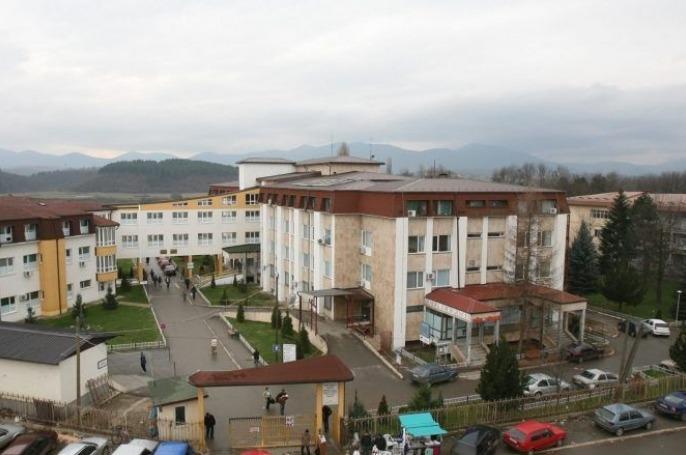 Nga Spitali i Gjakovës tregojnë për gjendjen shëndetësore të fëmijës që u dërgua nga Deçani