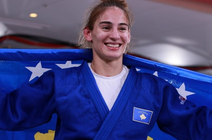 Nora Gjakova fiton medaljen e artë në Tokio